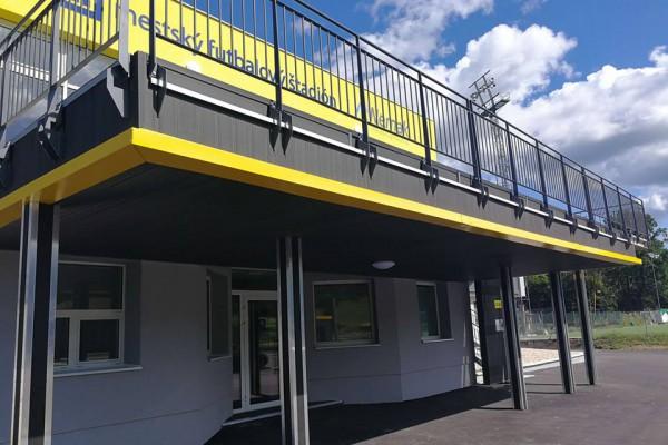 ecowpc-terrace-facade-fence6C0203C9D-AFB3-4917-A1EC-30FF0CB98014.jpg